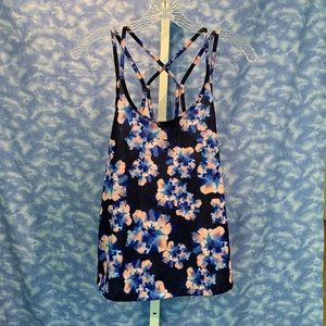 Old Navy Active black/blue floral print top, XS